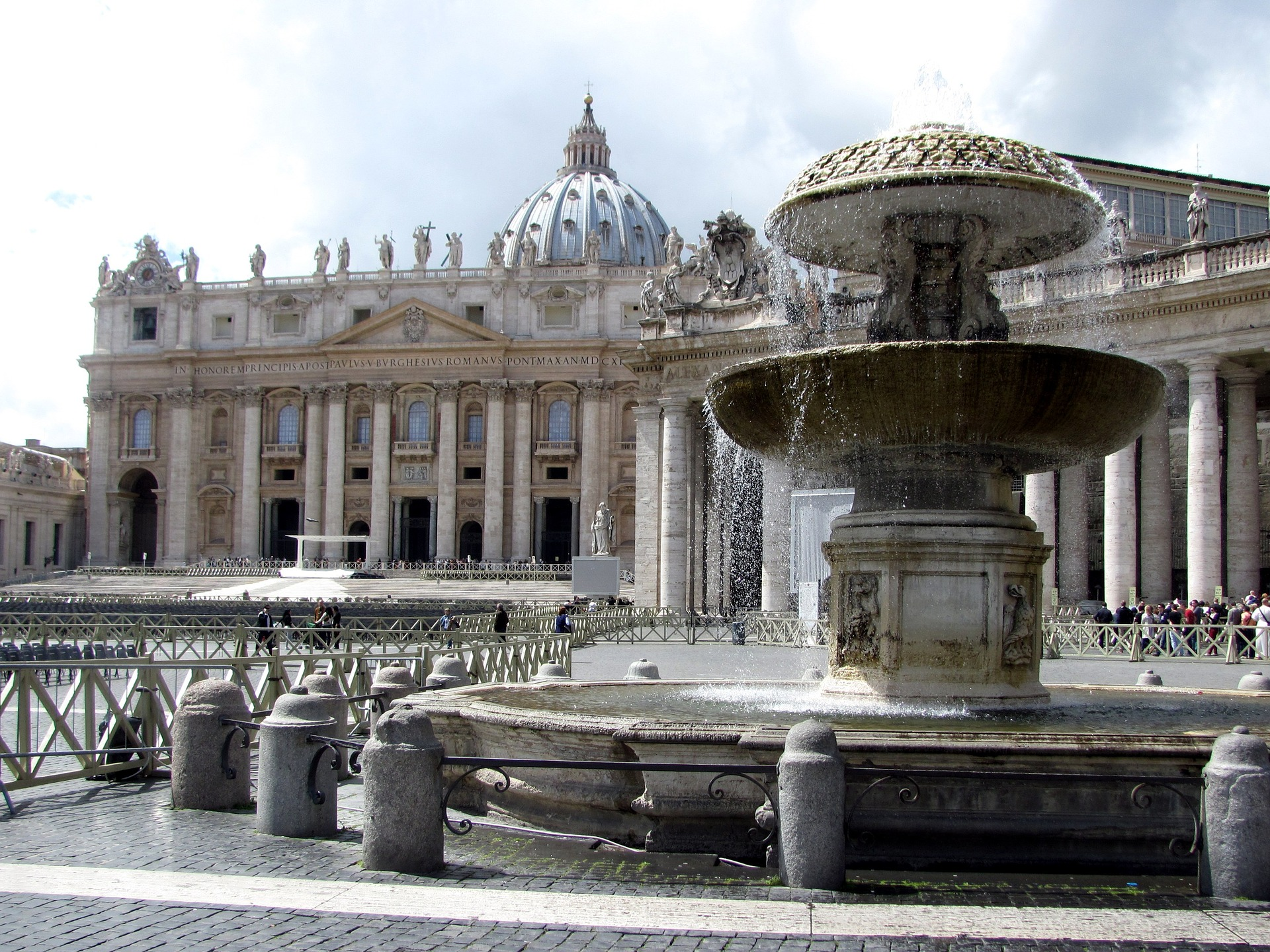 the-vatican-city-2548624_1920